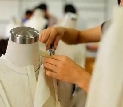 衣服是怎样炼成的,不仅有服装设计师,还有服装制版师
